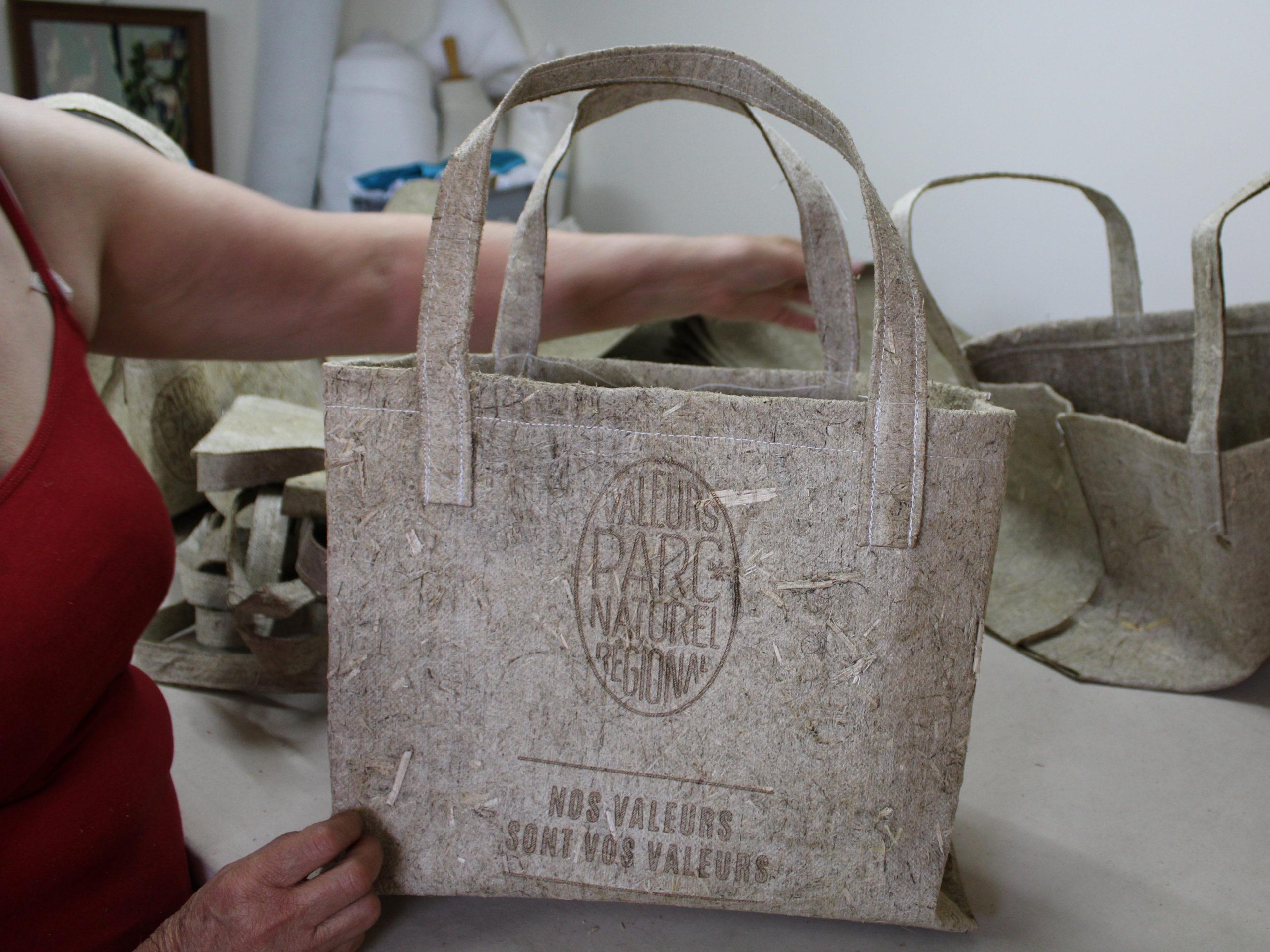 Caissette et sacs cabas éco-conçu en chanvre pour les parcs naturels régionaux par géochanvre